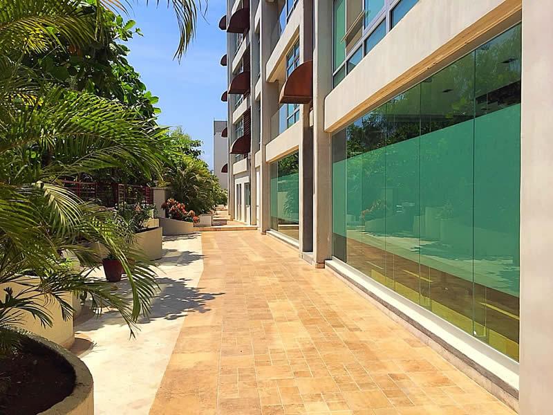 Pasillo interior Local comercial en venta Plaza 3.14 Living Nuevo Vallarta