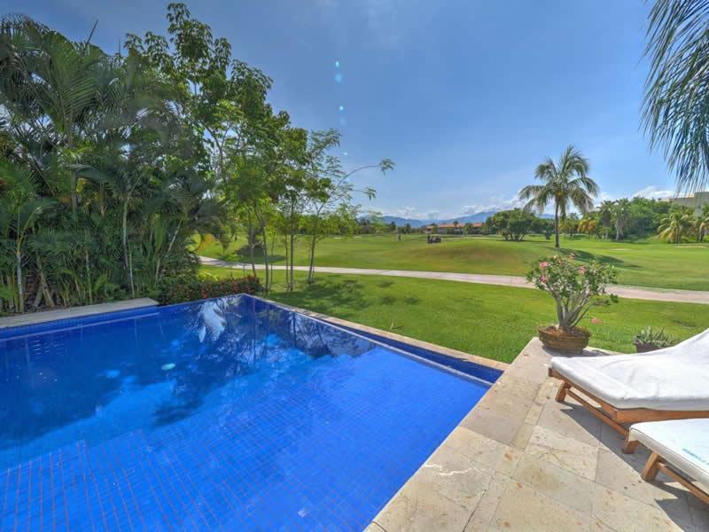 Piscina Casa con alberca en venta El Tigre Nuevo Vallarta