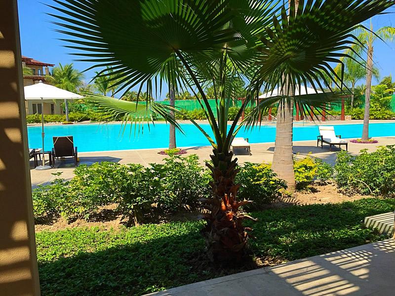 Piscina Condominio Isla Palmares en el Campo de Golf El Tigre en Nuevo Vallarta