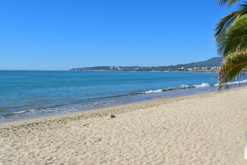 Playa Casa frente a la playa con vista al mar en venta Bucerías
