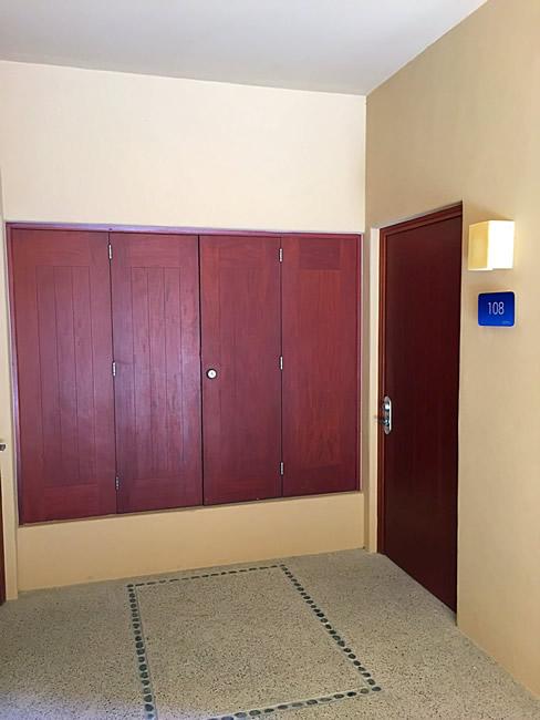Puerta entrada Condominio Isla Palmares en el Campo de Golf El Tigre en Nuevo Vallarta