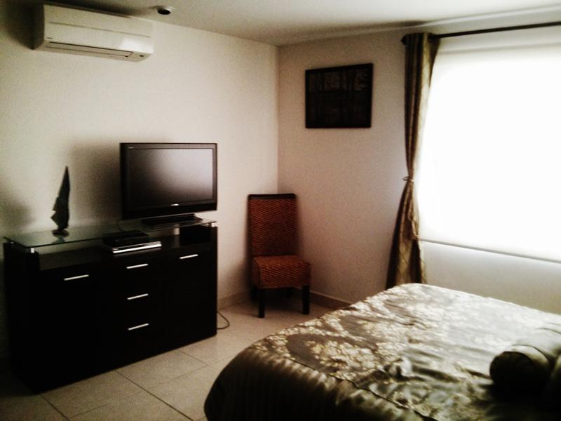 Recámara con aire acondicionado y tv Condominio Villa Magna Nuevo Vallarta con Estudio Penthouse