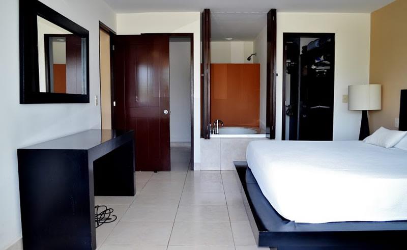 Recámara con jacuzzi Condominio Villa Magna Nuevo Vallarta