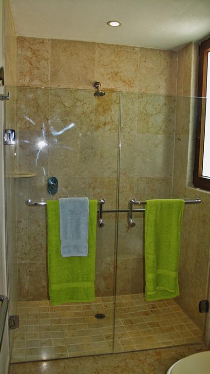 Shower bathCondominium Punta Esmeralda La Cruz de Huanacaxtle Riviera Nayarit
