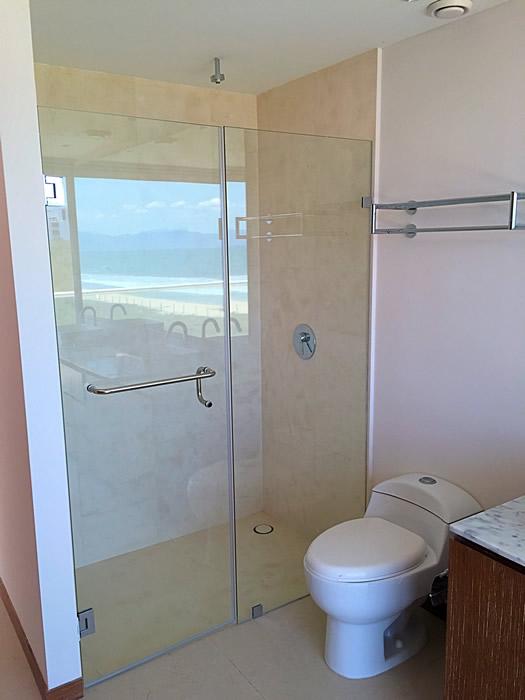 Regadera baño penthouse en venta Condominio Península en Nuevo Vallarta Nayarit