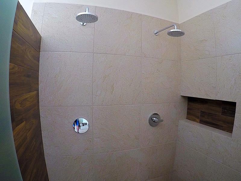 Regadera doble baño Casa Vista Lagos Paradise Village El Tigre Nuevo Vallarta Nayarit México