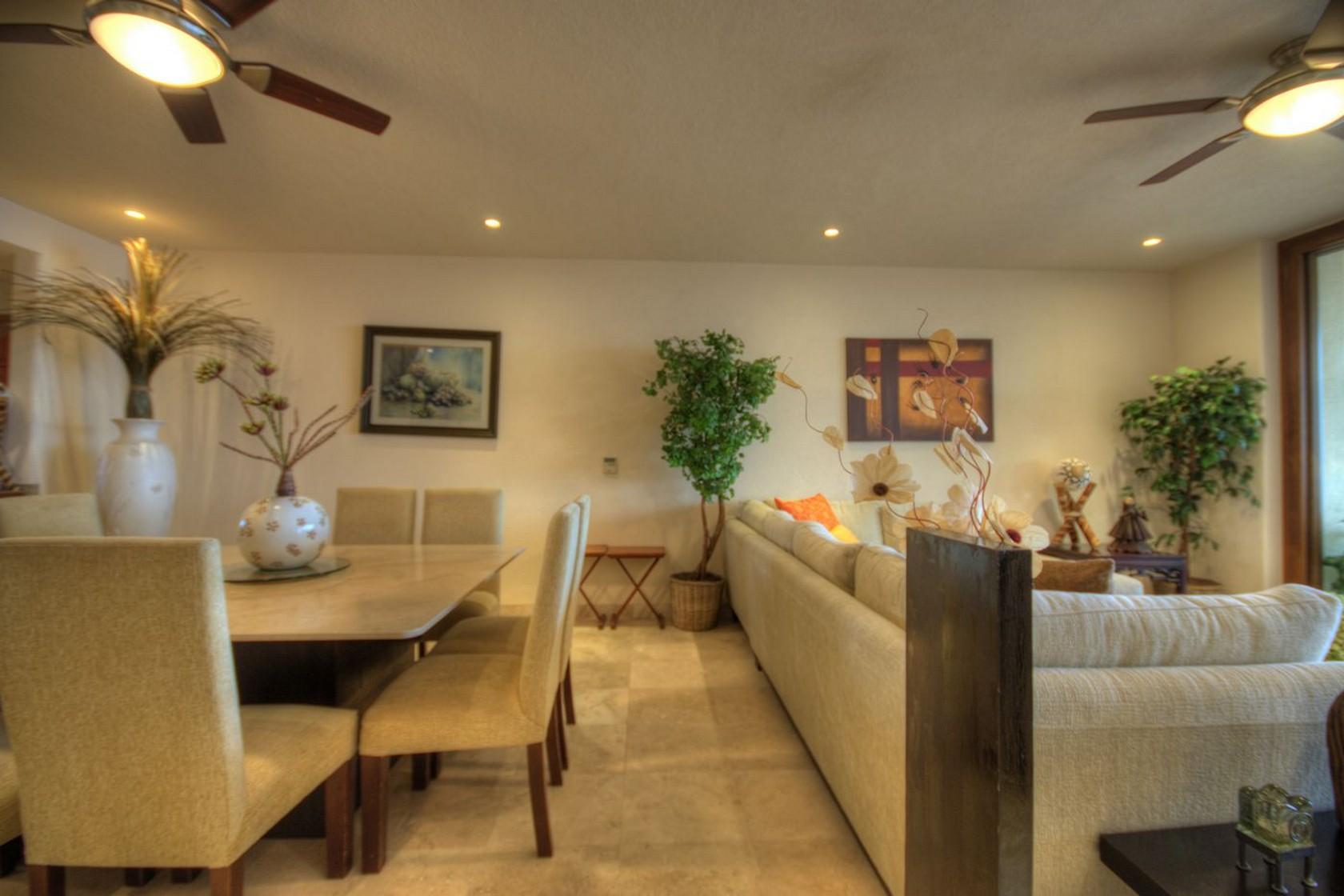 Sala y comedor Departamento en venta Punta Esmeralda Resort La Cruz de Huanacaxtle