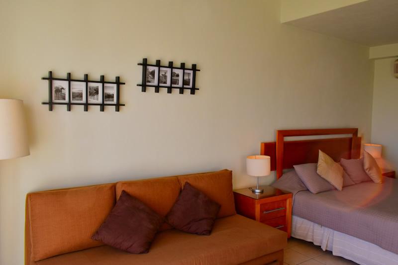 Sala Condominio Flamingos Beach Resort en venta, Nuevo Vallarta