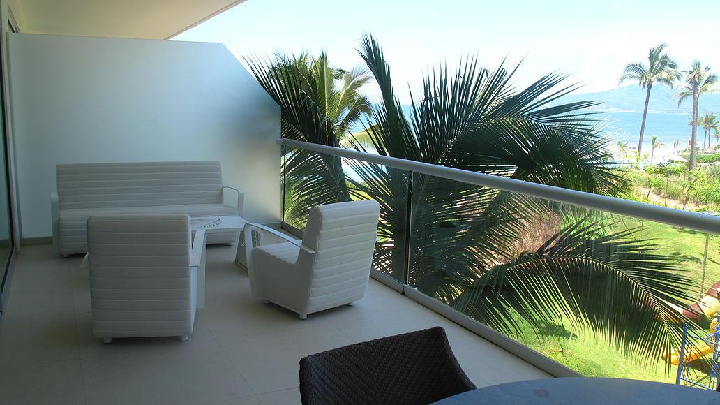 Sala en terraza Desarrollo Península en Nuevo Vallarta