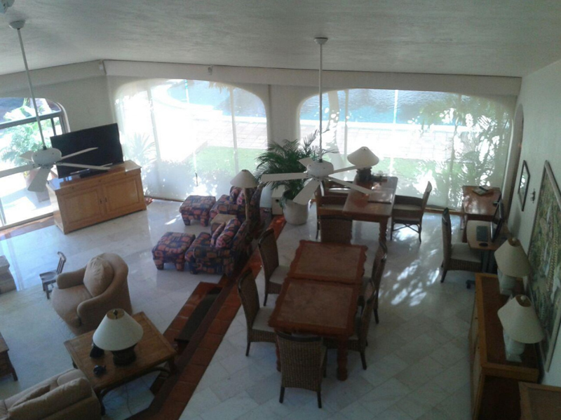 Sala y comedor Casa Punta Iguana en Marina Vallarta en Puerto Vallarta