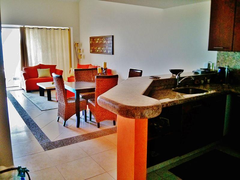 Sala y comedor Condominio Villa Magna Nuevo Vallarta con Estudio Penthouse