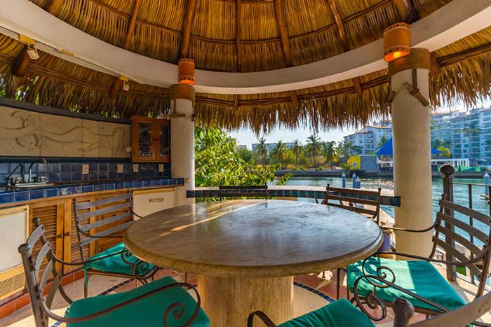 Terrace-view-villa-punta-iguana-in-marina-vallarta-puerto-vallarta
