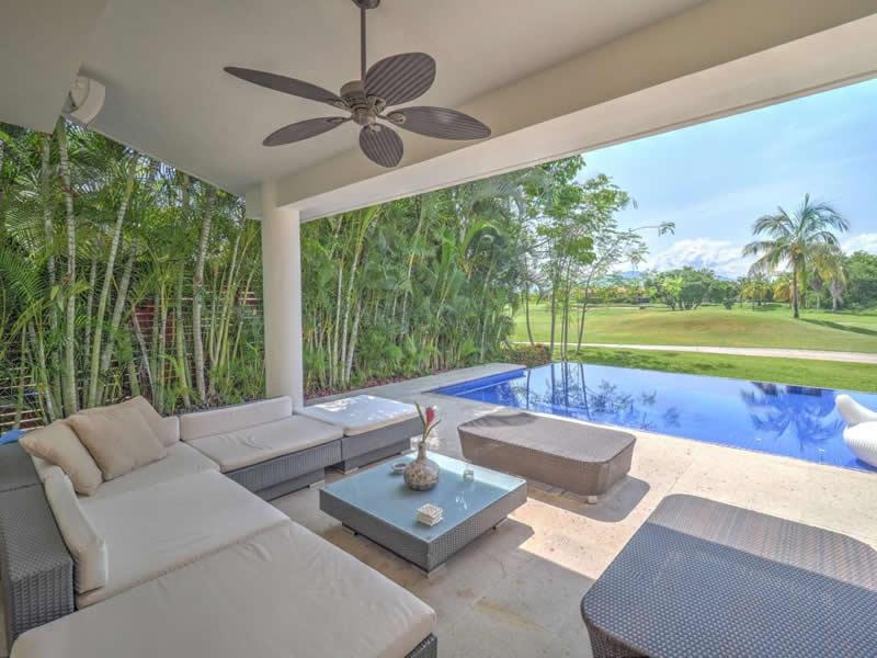 Terraza Casa con alberca en venta El Tigre Nuevo Vallarta