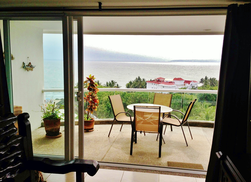Terraza con mesas Condominio Villa Magna Nuevo Vallarta con Estudio Penthouse