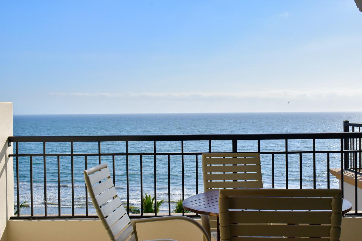 Terraza Condominio Playa Royale Residence en venta con vista al mar