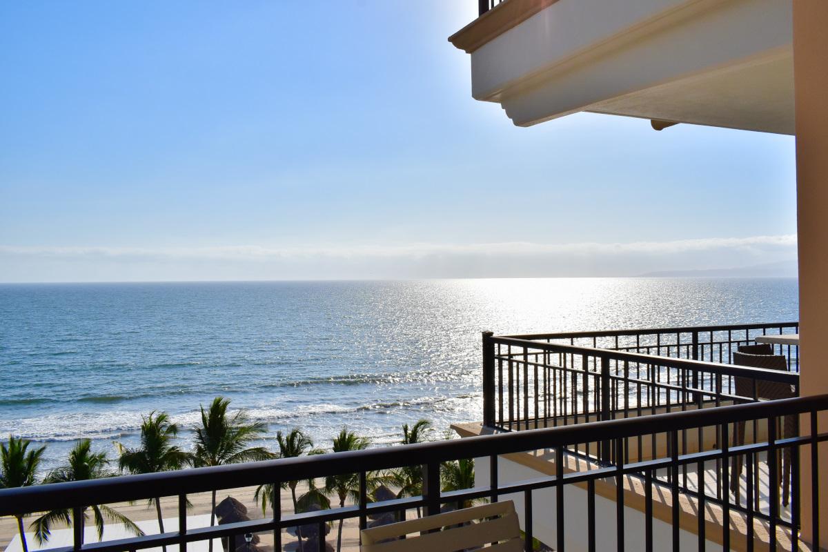 Balcón Condominio Playa Royale Residence en venta con vista al mar