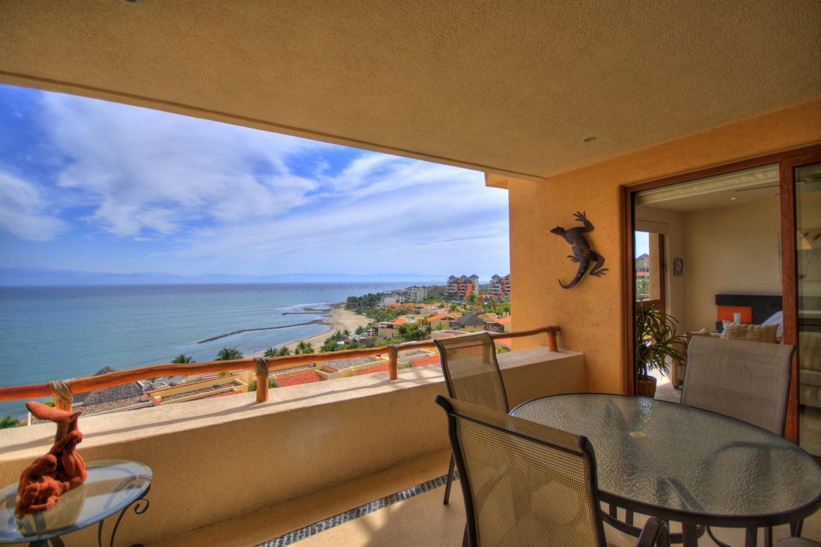 Terraza con vista al mar Departamento en venta Punta Esmeralda Resort La Cruz de Huanacaxtle