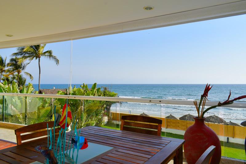 Terraza VillaMagna Nuevo Vallarta Condominio amueblado con vista al Mar