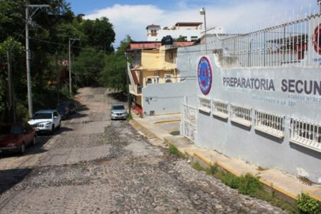 Calle Edificio Comercial Nicaragua- Puerto-Vallarta