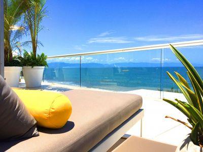 Yellow Pilow-Ocean Front Corner Penthouse In Peninsula Nuevo Vallarta