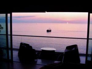 Atardecer vista terraza Condominio Península Puerto Vallarta