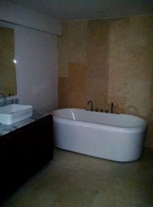 Bano con jacuzzi Penthouse en Condominio Península Nuevo Vallarta