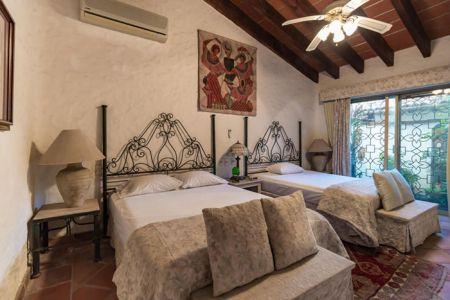 Bedroom-in-villa-punta-iguana-in-marina-vallarta-puerto-vallarta