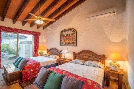Bedroom-villa-punta-iguana-in-marina-vallarta-puerto-vallarta