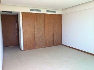 Closet recámara principal penthouse en venta Condominio Península en Nuevo Vallarta Nayarit