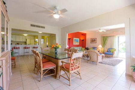 Comedor y sala Oceano Vista Residences Condominio Nuevo Vallarta
