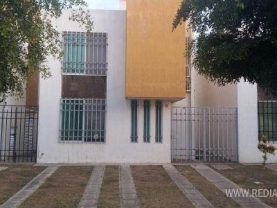 fachada-entrada-casa-en-renta-banus-puerto-vallarta