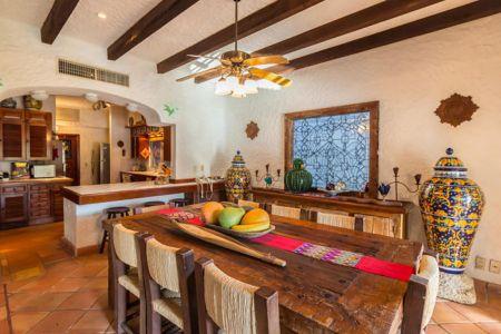 Living-dining-villa-punta-iguana-in-marina-vallarta-puerto-vallarta