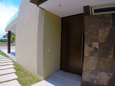 Puerta entrada Casa Vista Lagos Paradise Village El Tigre Nuevo Vallarta Nayarit México