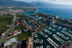 Vista aérea Marina Vallarta en Puerto Vallarta
