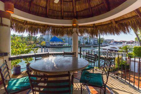 Yates Marina Vallarta Puerto Vallarta