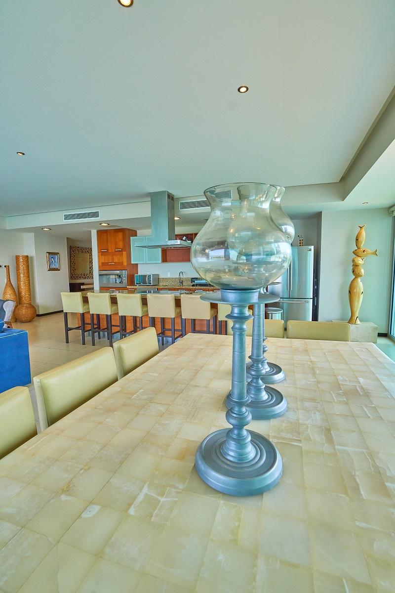 Velas Península Puerto Vallarta Condominio en venta