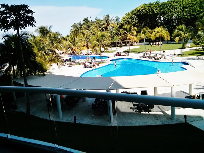 Vista alberca desde terraza Condominio Villa Magna Nuevo Vallarta