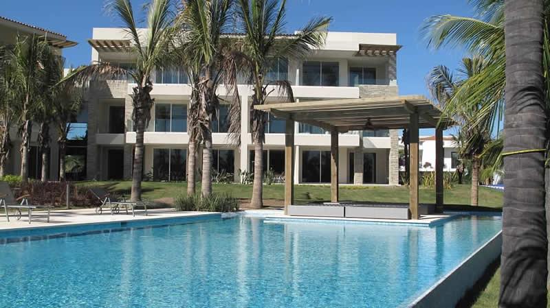Vista piscina Condominio Península Golf en Nuevo Vallarta
