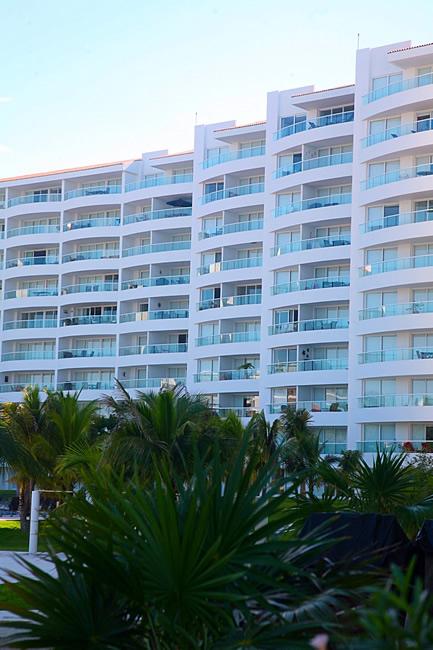 Vista torres Condominio Villa Magna en Nuevo Vallarta