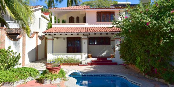 Casa frente a la playa con vista al mar en venta Bucerías